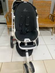 Título do anúncio: Carrinho de bebê e bebê conforto Quinny