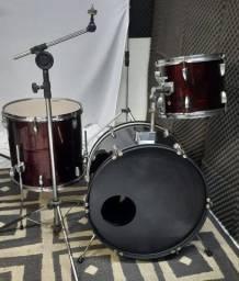 Bateria - tambores (tom, surdo, bumbo) + estante girafa