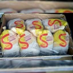 Vendo caixas com frangos. Valores na descrição