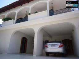 Sobrado no Setor Coimbra com 4 suítes amplas, 4 salas, escritório, área de lazer