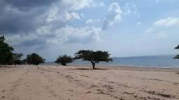 Terreno de frente para a praia