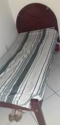Cama de solteiro , com colchão