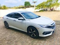 Oportunidade: Honda Civic Touring. O modelo mais completo. Carro muito novo, sem detalhes! - 2017
