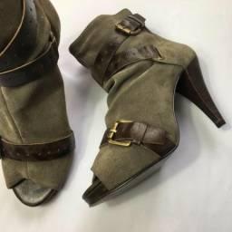 Ankle Boot Couro Camurça Chumbo Cano Curto - Oxigene | T.35 | R$28