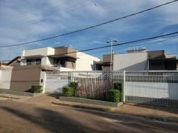 Casa duplex - Condomínio fechado