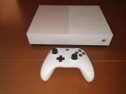 Xbox One S All digital 1 Tb memória.