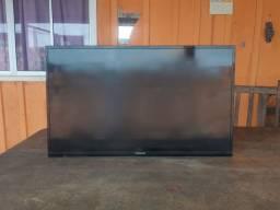 Televisão Panasonic 32 pelogadas. (Com cabo HDMI)