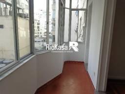 Apartamento - COPACABANA - R$ 2.800,00