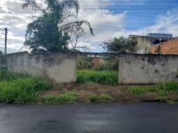 Lote para 3 casas com Projeto