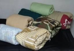 Cobertores colchas e edredons de casal por 30 cada