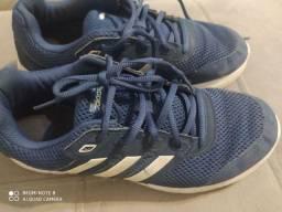 Tênis Adidas 39