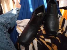 Vende - se um sapato