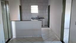 Alugo casa de 3 quartos no Ataide