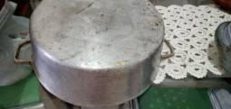 Panela de pedra  .e.panela de alumínio batido.