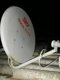 Tv de tubo e Antena sky