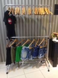 Araras p/ roupas usada/bem conservada