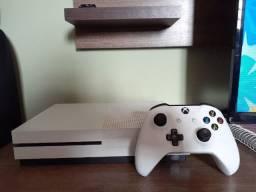 Vendo Xbox one branco NOVO, com 1 console. Estado de novo= quase nunca usado