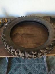 Vendo pneu trilha