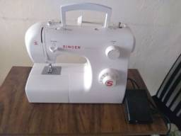Título do anúncio: Máquina de costura Singer S