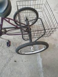 Triciclo usado novíssimo