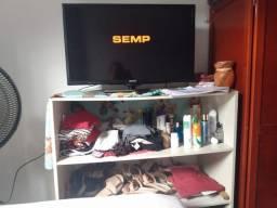 TV 32' com pé