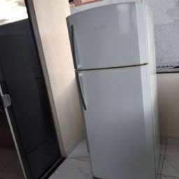 Vendo geladeira frost free * zap