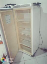 vendo um frizer gelando bem