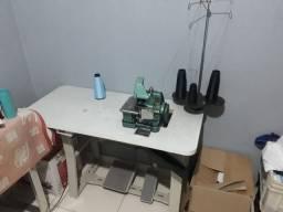Máquina Overloque Usada com Mesa