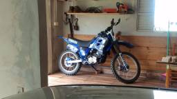 DT 200R Yamaha