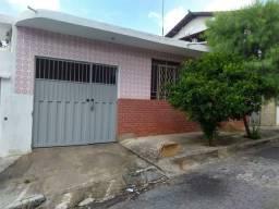 Título do anúncio: Alugo casa ampla  2 qtos santa efigenia com  garagem