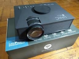 mini projetor unic uc68/68h