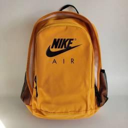 Mochila Nike Air.