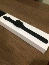 Apple Watch Se (gps) 44mm Alumínio Cinza Esp. Pulseira Preta