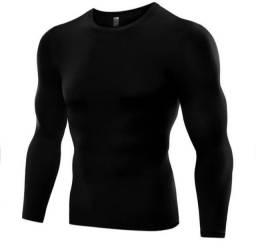 Título do anúncio: Camisa de compressão manga longa preta