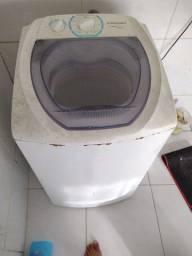 Título do anúncio: Máquina de lavar Electrolux turbo economia 6kg