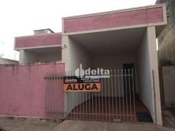 Casa com 3 dormitórios para alugar, 80 m² por R$ 980,00/mês - Martins - Uberlândia/MG