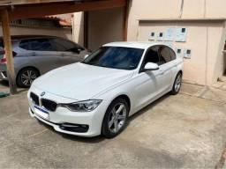 Título do anúncio: BMW 320i 2015 Branca com Interior Caramelo