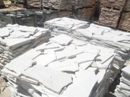 Título do anúncio: Caco de Pedra São Tomé Branco Irregular