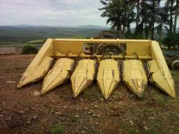 Vendo plataforma de milho 5 de 90 ano 1992 em ótimo estado de conservação