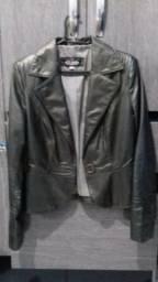 Vendo 4 casacos um é de couro cor grafite