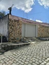 Belíssima casa 3/4 com suíte, a 300m da Maria Lacerda