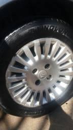 Troco essas rodas 15 4x108 por rodas 14 4x108 de ferro com pneus boms quero volta