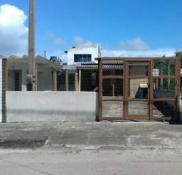 Casa Geminada a Venda/Rua Asfaltada/Ótima Localização