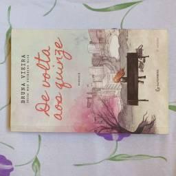 Livro DE VOLTA AOS QUINZE, Bruna Vieira.