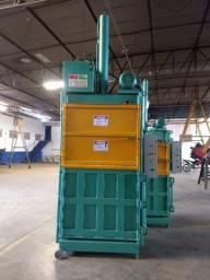 Prensa Hidráulica Para Fardos de Reciclagem - Fardos de papelão, pet, alumínio, etc