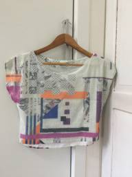 Blusa Cropped Afghan estampada