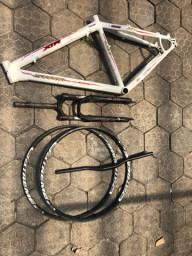 Vendo Quadro e suspensão Bike