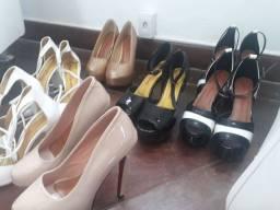 Vendo sapatos de festa muitos modelos , porém pouca numeração.