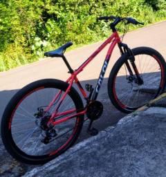 Bicicleta nova com seis meses de uso