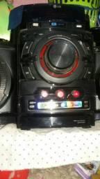 Vende-se aparelho de som pegando normalmente ele tá com as duas caixas vendo ou troco